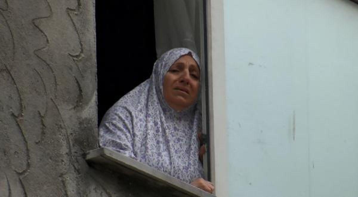 Ek fotoğraf //Bahçelievler'de balkondan bakan Suriyeli kız başına isabet eden kurşunla öldü -1
